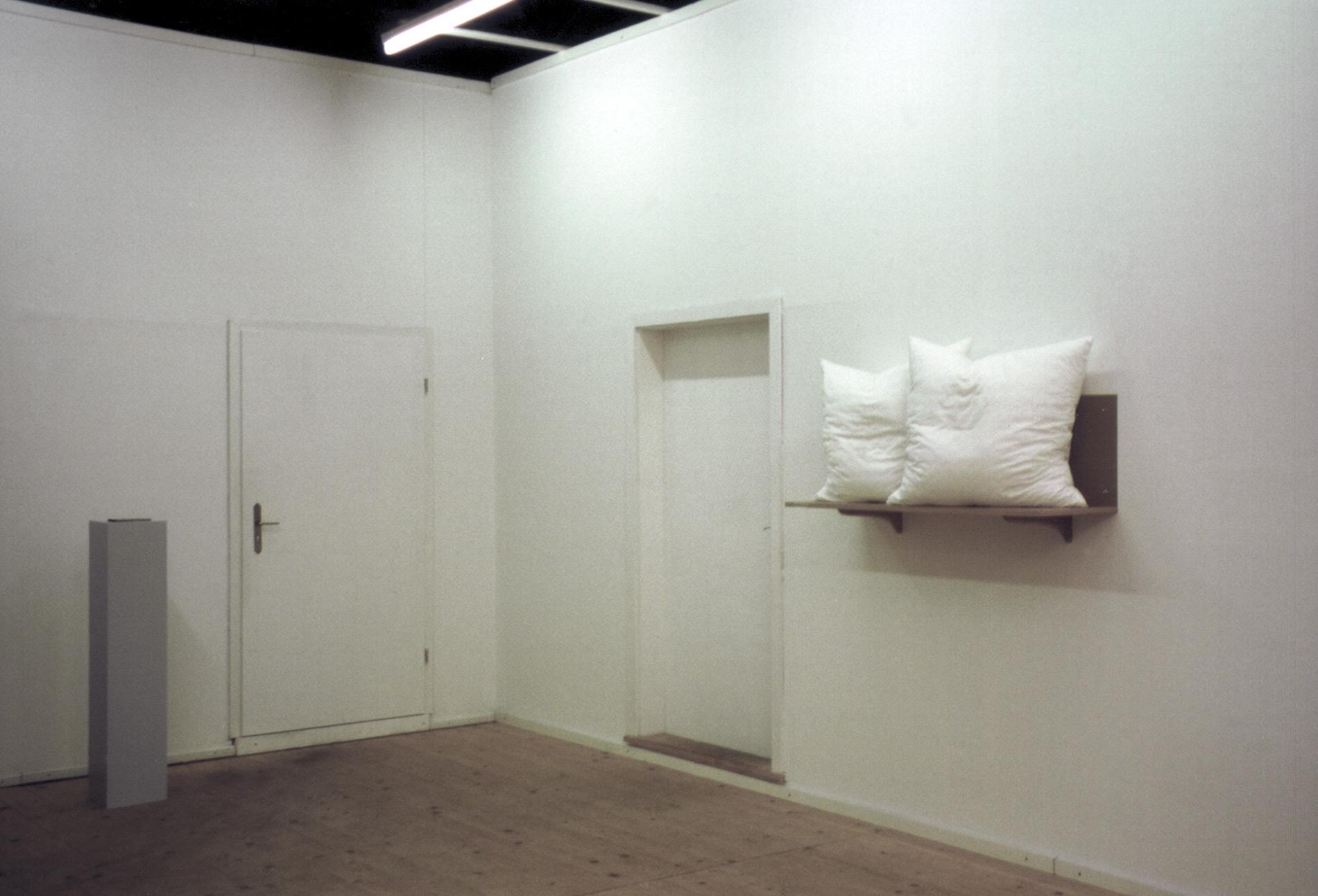 """Michael Göbel - Ausstellung """"Himmel - Selbstportäts mit anderen"""", 2002"""